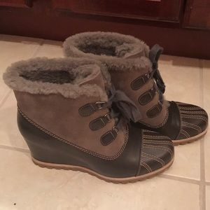 Ugg wedge boots size 10- new!